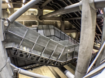London Underground - Olloclip Active - Ultra-Wide